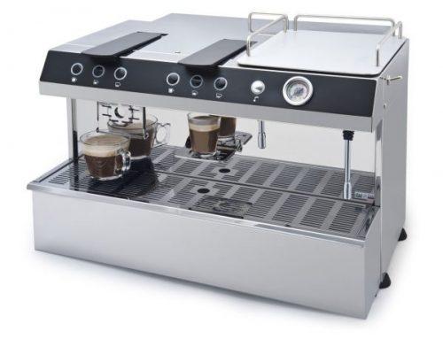 Cafetera de cápsula para uso profesional